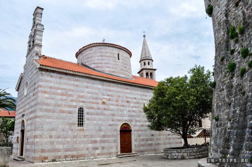 Церковь Святой Троицы, самая молодая церковь в старой части Будвы.