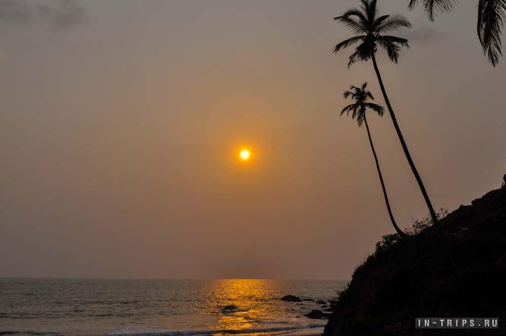 Закат на пляже Вагатор. Северный Гоа.