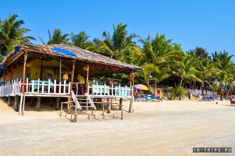 Пляжное кафе на пляже Колва. Юг Гоа.